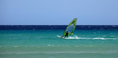 windsurf et grand bleu
