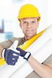 Bauleiter zeigt Daumen hoch