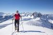 Schneeschuhwanderern im Frühlingsschnee