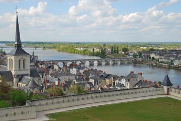 Vue générale de Saumur et de la Loire