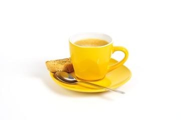 espressotasse gelb mit löffel und crostini