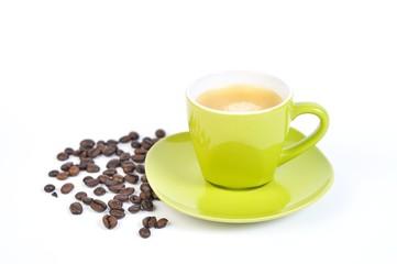 espressotasse grün mit kaffebohnen 4