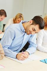 Student im Unterricht an einer Universität