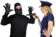 Junge Frau in Polizeikostüm verhaftet Dieb
