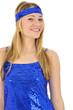 Junge Frau in blauem Disko-Kleid