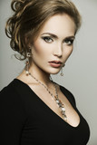 Fototapety woman with perfect makeup wearing jewelry