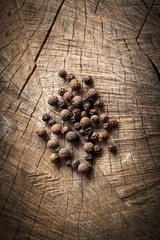 Organic black pepper and allspice