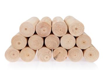 Kłody drewna okrągłe, toczone na białym tle-IV.