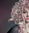 Blonde Locken mit Strähnchen / alterable 24