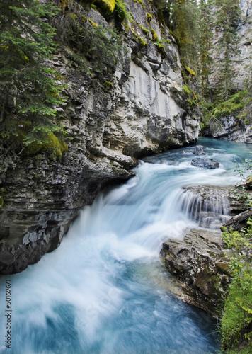 Fototapeten,kanada,fluß,rocky mountains,wasserfall