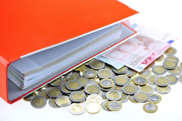 Aktenordner und Eurogeld