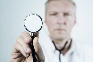 arzt mit stethoskop, closeup
