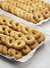 Vassoio con biscotti di meliga