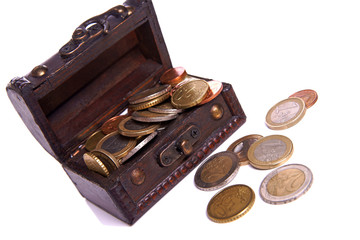 Kiste mit Münzen