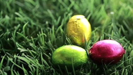 Three easter eggs packed in aluminium