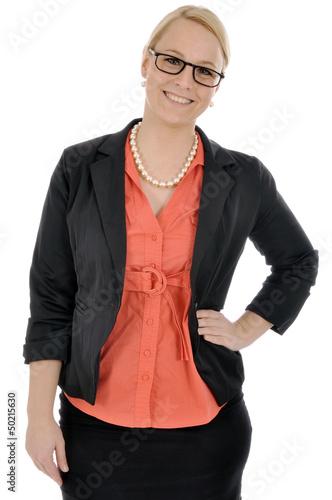 Junge Geschäftsfrau mit Brille lacht