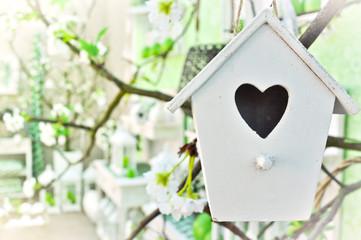 vogelhaus mit Herz