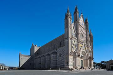 Duomo di Orvieto in Italia lato sinistro