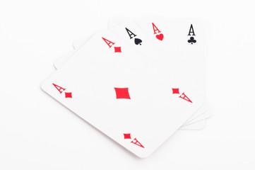 quattro assi - poker su sfondo bianco