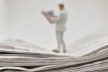 Zeitungen und Zeitungsleser