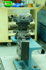 Close up on face milling tool