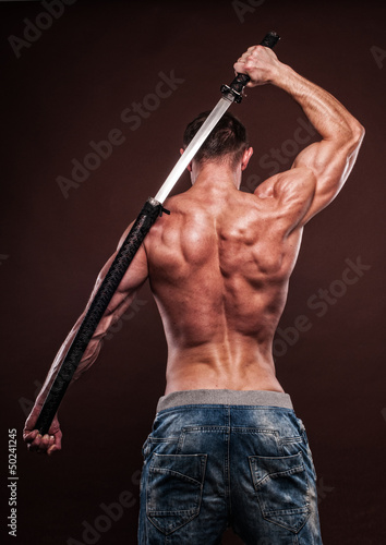 czlowiek-z-mieczem