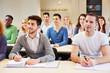 Studenten im Seminar lernen