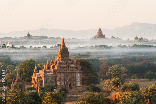Staande foto Afrika Sunrise at Bagan in Myanmar