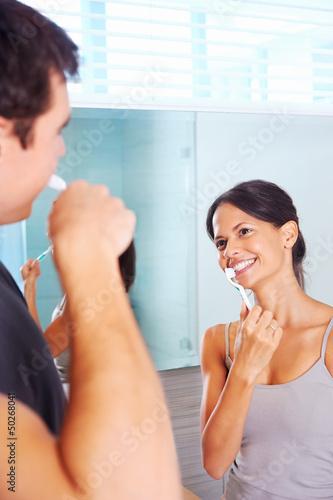 crushing teeth couple