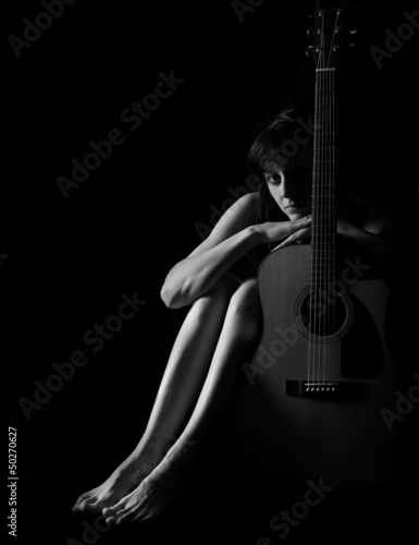 Fototapeten,sexy,frau,schwarzweiß,gitarre
