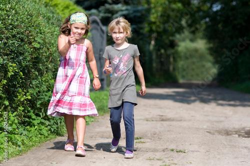 Kinder beim Wettlauf