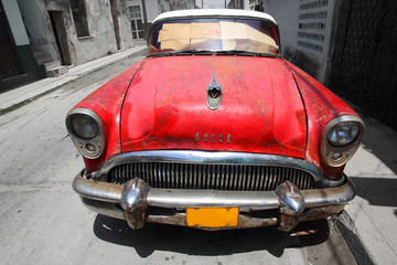 Stary samochód na Kubie