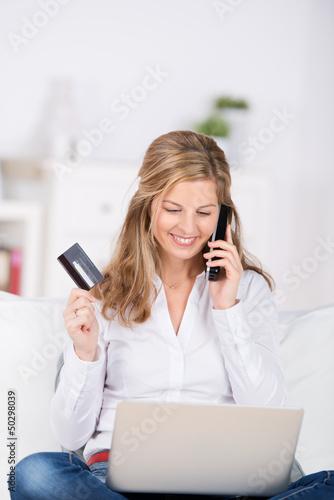 frau bestellt per telefon