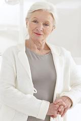 Portrait d'une  belle senior