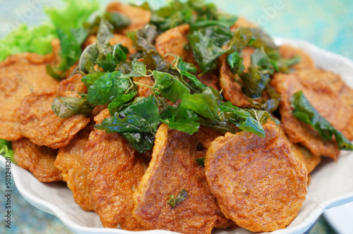 Deep-fried curried fish patties