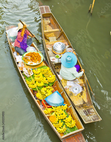 Damnoen Saduak floating market in Thailand
