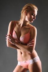 Frau in Unterwäsche