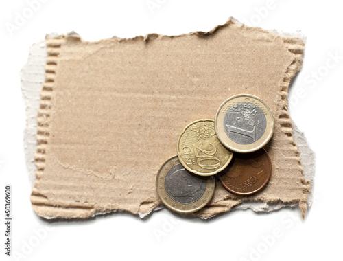 carton et monnaies sans abris