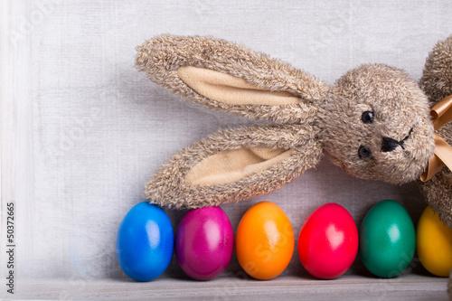 bunte eier und osterhase