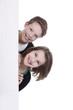 Zwei Kinder hinter weißer Tafel - children behind message board