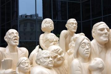 Montreal - Statue La Foule illuminee