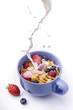 latte con cereali e frutta