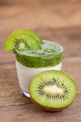 Hochkant Kiwijoghurt