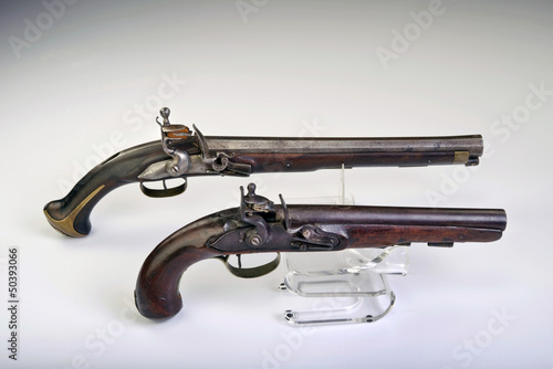 French and English flintlock pistol made around 1800.