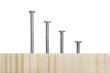 Nagelreihe in Holz