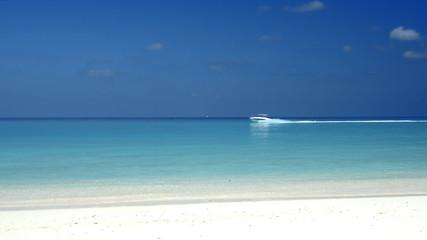 Motorboot auf dem indischen Ozean