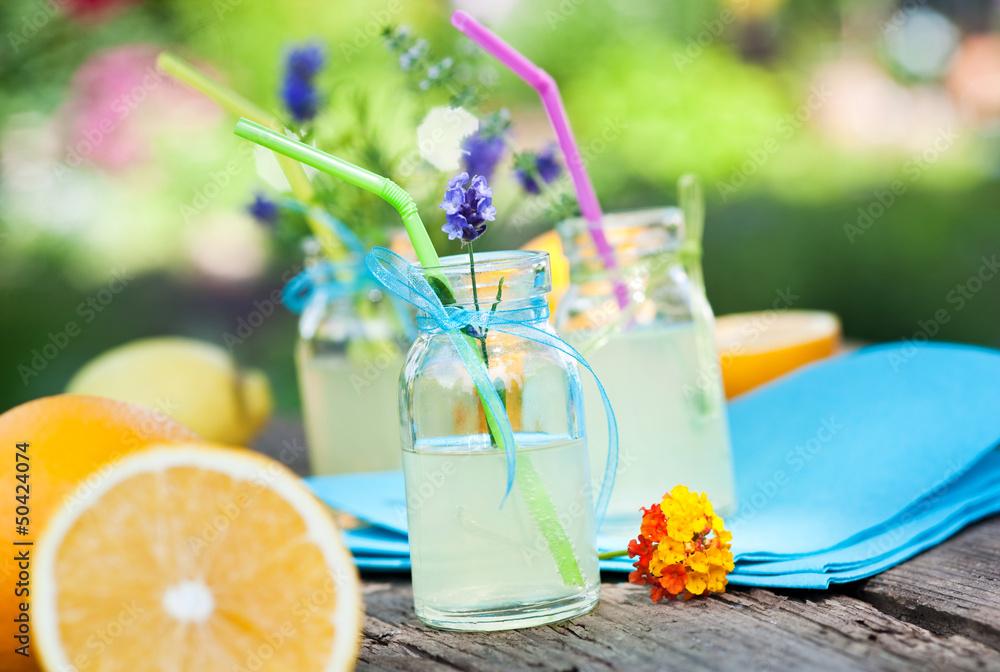ogród lato napój - powiększenie