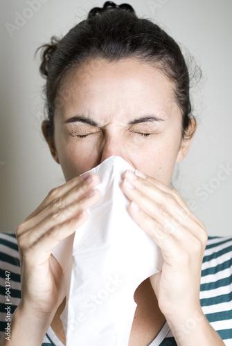 Frau mit Allergie
