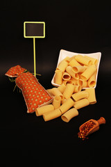 pâtes et condiments