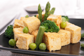 grilled tofu with vegetables and rice